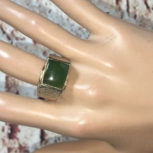 VINTAGE MEN'S SQUARE JADE 14KT HGE RING-SIZE 10